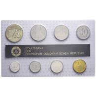 DDR  Mini Jahressatz 1988 7 Münzen 1 Pfg. bis 2 Mark und eine Medaille: Strecken