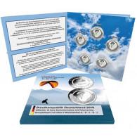 Sammelfolder für 5x 10 Euro Münzen In der Luft bewegt