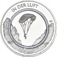 In der Luft Euro Gedenkmünzen aus Deutschland von 2019 aus der Serie Luft Bewegt mit transparentem Polymer-Ring